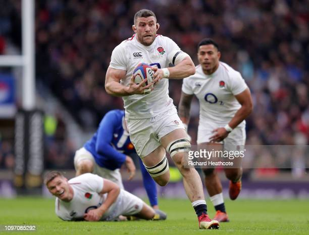 Mark Wilson of England makes a break during the Guinness Six Nations match between England and France at Twickenham Stadium on February 10 2019 in...