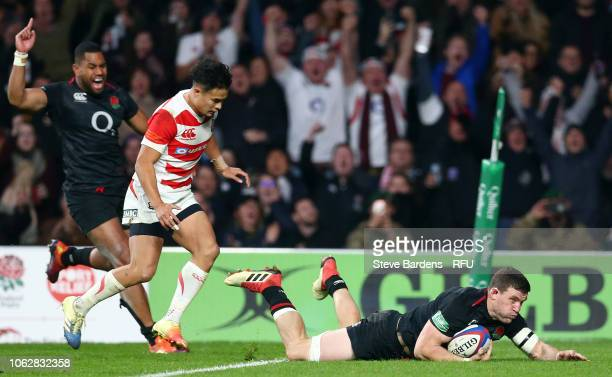 Mark Wilson of England touches down to score a try during the Quilter International match between England and Japan at Twickenham Stadium on November...