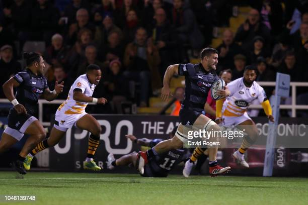 Mark Wilson of Newcastle Falcons breaks to score a first half try during the Gallagher Premiership Rugby match between Newcastle Falcons and Wasps at...