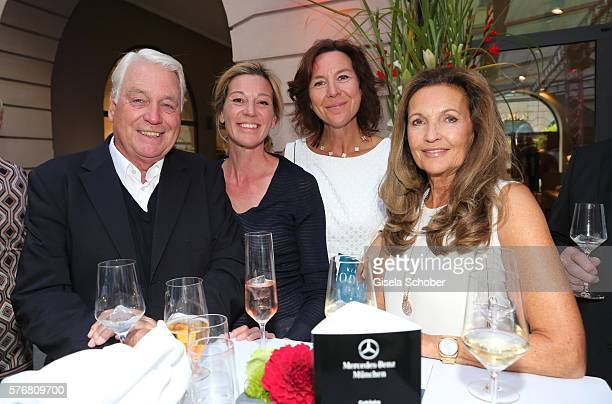 Mark Woessner and his girlfriend Christiane Link , Dr. Barbara Stier and Annette Schnell during the Mercedes-Benz reception at 'Klassik am...