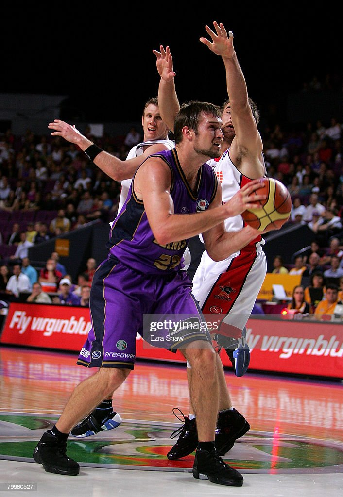 Mark Worthington of the Kings shoots the ball during game one of the NBL Semi Final Series between the Sydney Kings and the Perth Wildcats at Sydney Entertainment Centre on February 25, 2008 in Sydney, Australia.