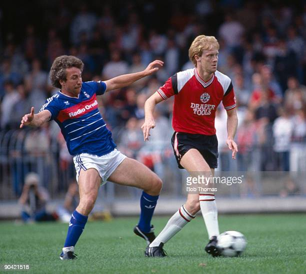 Mark Wright of Southampton moves away from Alan Sunderland of Ipswich Town during the Ipswich Town v Southampton Division 1 match played at Portman...