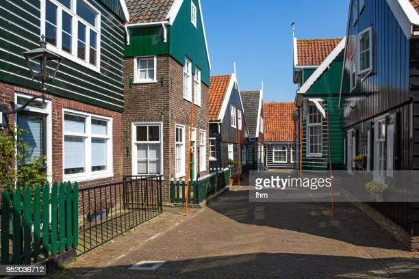marken village (waterland/ north holland, netherlands) - noord europa stockfoto's en -beelden