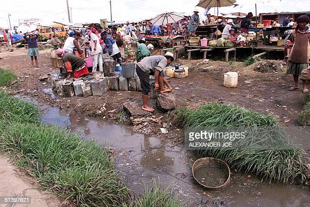 Market 16 March 2000 in the Anosibe slum area with very bad sanitation in the capital Antananarivo. In February 2000 979 people died from cholera in...