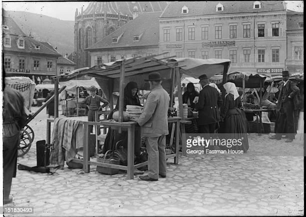 Market, between 1900 and 1919.