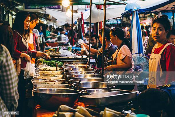 market in asia - street food stock pictures, royalty-free photos & images