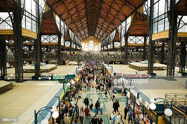 market in budapest - cultura húngara - fotografias e filmes do acervo