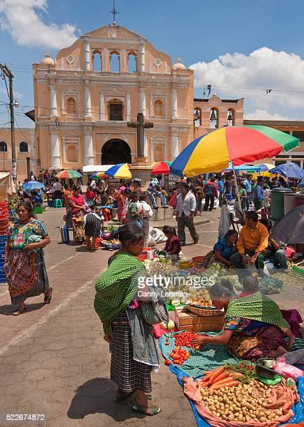 market in front of church in santa maria de jesus - guatemala fotografías e imágenes de stock