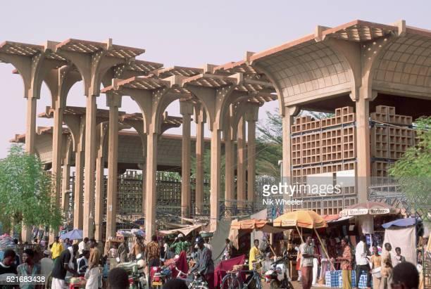 market in niamey - niger stockfoto's en -beelden