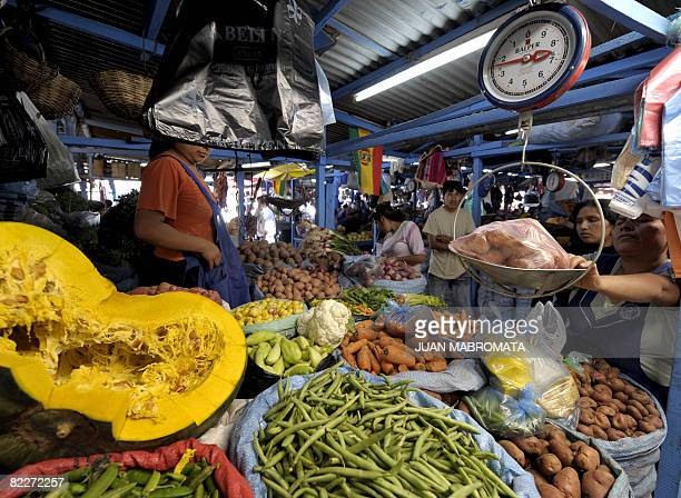 A market in Santa Cruz Bolivia on August 9 2008 on the eve of the reacall referendum AFP PHOTO / JUAN MABROMATA