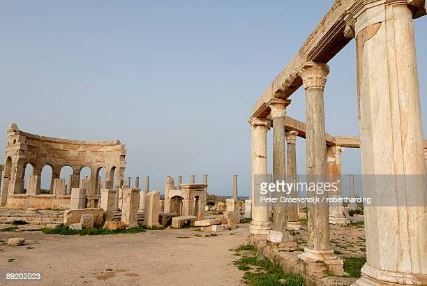 market, leptis magna, unesco world heritage site, libya, north africa, africa - libye photos et images de collection