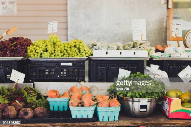 market stall - farmers market stock pictures, royalty-free photos & images