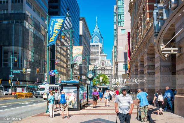 Market Street in der Innenstadt von Philadelphia USA