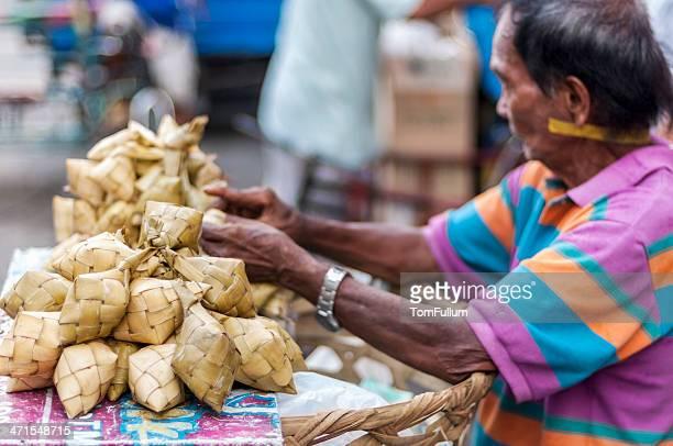 markthändler in den philippinen - cebu stock-fotos und bilder
