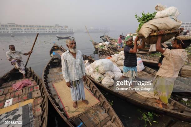 market vendors, bangladesh - dietmar temps ストックフォトと画像
