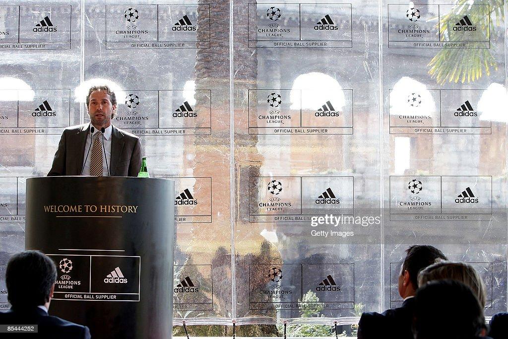 direttore marketing adidas italia