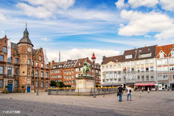 marketplace in old town dusseldorf germany - düsseldorf stock pictures, royalty-free photos & images