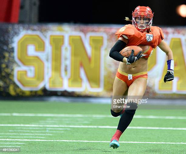 Markie Henderson of the Las Vegas Sin returns a kickoff against the Green Bay Chill during their game at the Thomas Mack Center on May 15 2014 in Las...