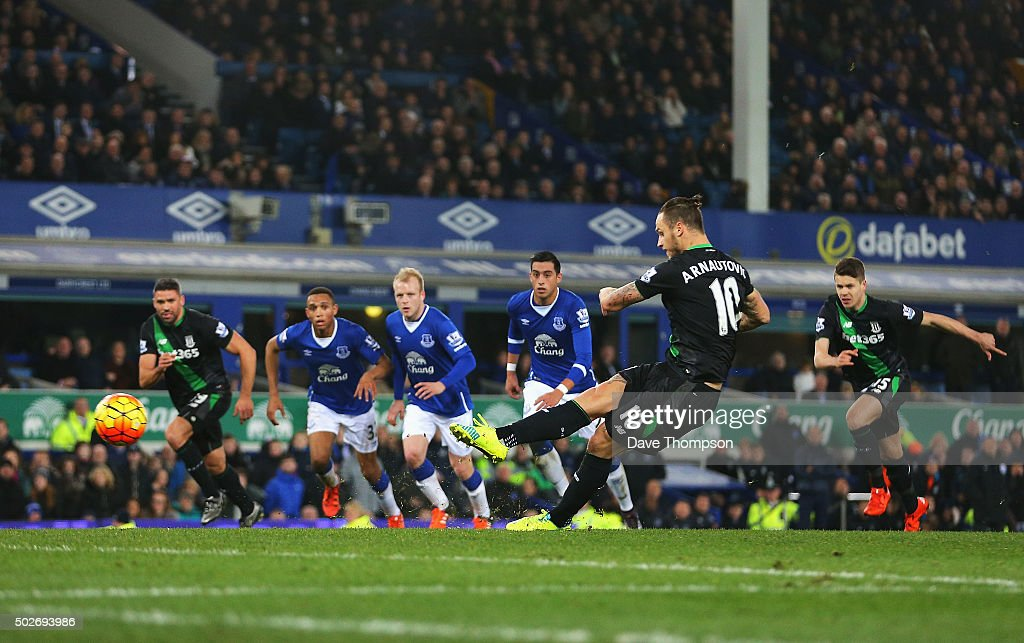 Everton v Stoke City - Premier League : ニュース写真