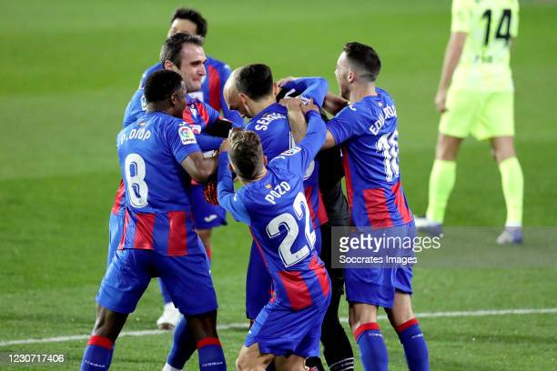 Marko Dmitrovic of Eibar celebrates 1-0 with Sergio Alvarez of Eibar, Pape Diop of Eibar, Alejandro Pozo of Eibar, Edu Exposito of Eibar during the...