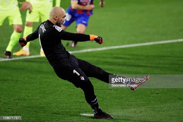 Marko Dmitrovic of Eibar scores penalty during the La Liga Santander match between Eibar v Atletico Madrid at the Estadio Municipal de Ipurua on...