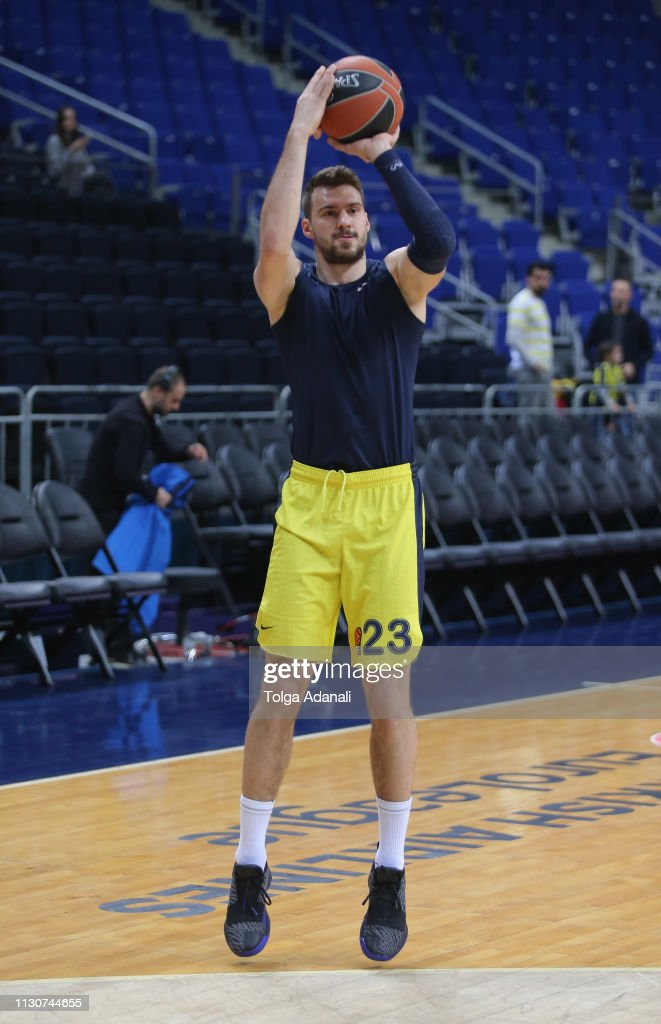 c75735552 Fenerbahce Beko Istanbul v FC Barcelona Lassa - Turkish Airlines EuroLeague    News Photo