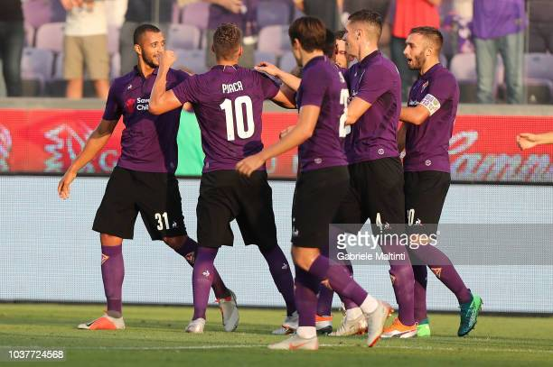 Marko Pjaca of ACF Fiorentina celebrates after scoring a goal during the Serie A match between ACF Fiorentina and SPAL at Stadio Artemio Franchi on...