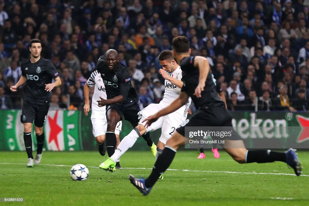 FC Porto v Juventus - UEFA Champions League Round of 16: First Leg