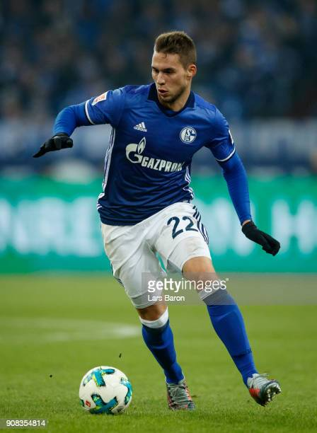 Marko Pjaca of Schalke runs with the ball during the Bundesliga match between FC Schalke 04 and Hannover 96 at VeltinsArena on January 21 2018 in...
