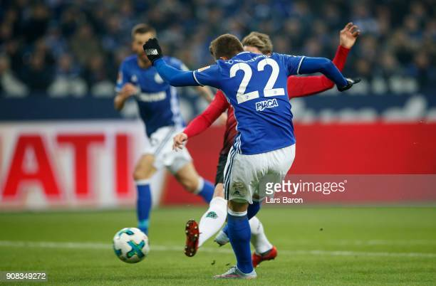 Marko Pjaca of Schalke scores his teams first goal during the Bundesliga match between FC Schalke 04 and Hannover 96 at VeltinsArena on January 21...
