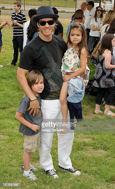 MarkPaul Gosselaar and children Michael Charles Gosselaar and Ava Lorenn Gosselaar arrive at the 21st Annual A Time For Heroes Celebrity Picnic...