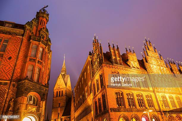 marktkirche and old town hall in hanover hanover (hannover), lower saxony, germany - luogo d'interesse locale foto e immagini stock