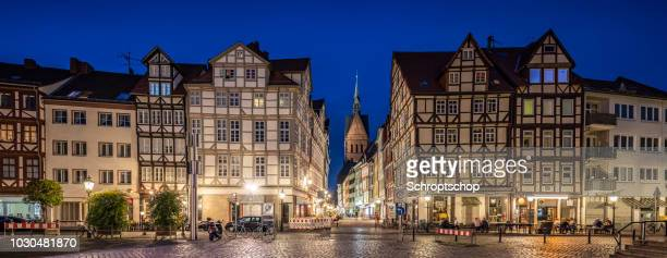 marktkirche and the old town in hannover, germany at night - hanover germany stock pictures, royalty-free photos & images