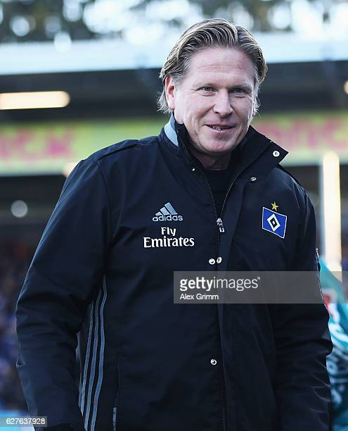 Markus Gisdol head coach of Hamburg looks on prior to the start of the Bundesliga match between SV Darmstadt 98 and Hamburger SV at Stadion am...
