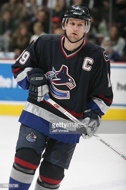 Markus Naslund of the Vancouver Canucks looks on against the Calgary Flames at General Motors Place on March 31, 2007 in Vancouver, British Columbia,...