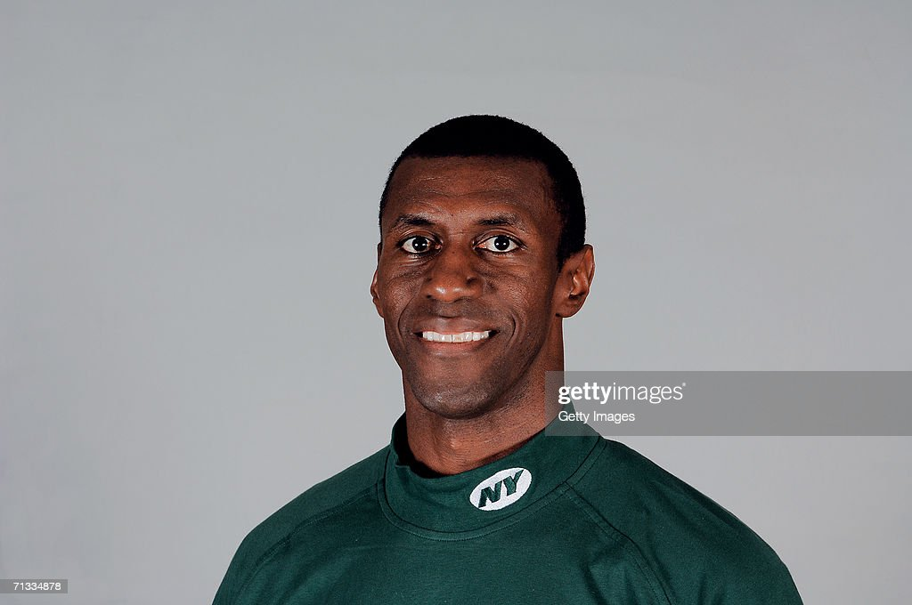 markus paul of the new york jets poses for his 2006 nfl headshot at news photo getty images 2