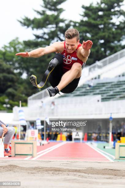 Markus Rehm of Germany competes to achieve the new world record of 8m47 in the Men's Long Jump F64 during day two of the Japan Para Championships at...