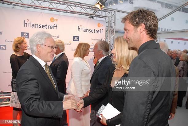 """Markus Schächter , Eva-Maria Grein, Patrick Fichte , 10. ZDF-""""Hansetreff"""", """"Cruise Center in der Hafencity"""", Hamburg, Deutschland, Europa, roter..."""