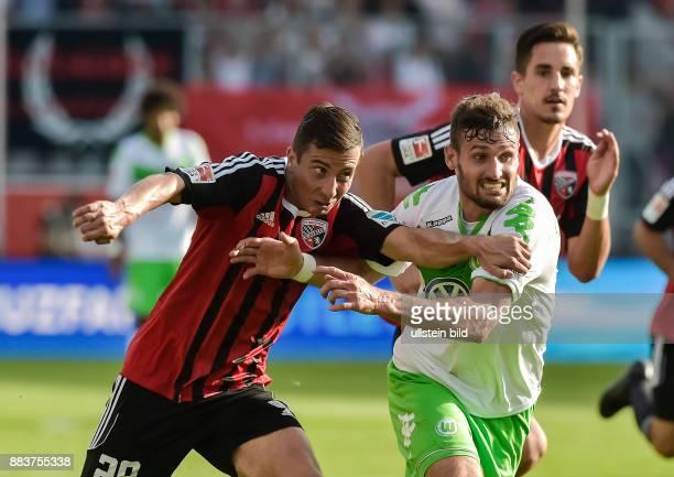Markus Suttner im Zweikampf mit Daniel Calligiuri waehrend dem Fussball Bundesliga Spiel FC Ingolstadt gegen Vfl Wolfsburg am 4 Spieltag der Saison...