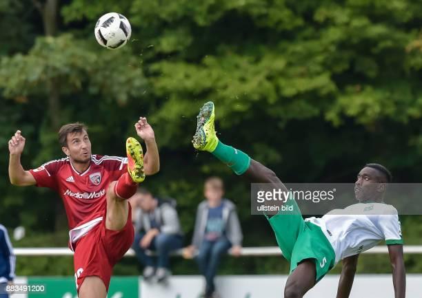 Markus Suttner im Zweikampf mit Sambou Yatabare waehrend dem Testspiel fuer die Fussball Bundesliga Saison 2016/2017 FC Ingolstadt 04 gegen SV Werder...
