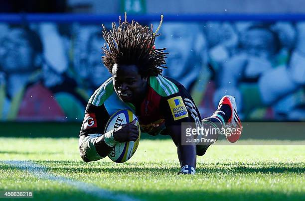 Marland Yarde of Harlequins scores a try during the Aviva Premiership match between Harlequins and London Welsh at Twickenham Stoop on October 4,...