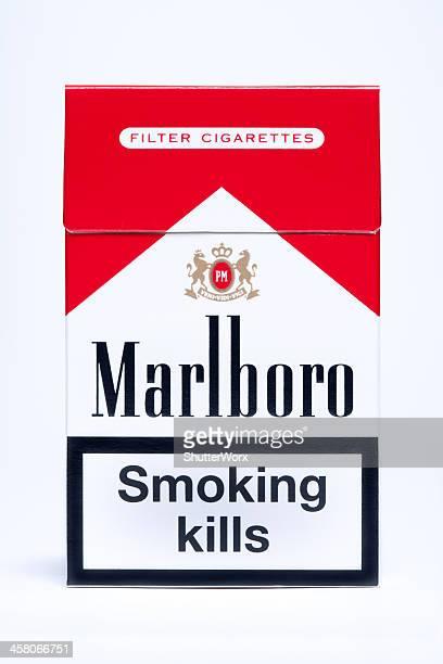 marlboro cigarette pack - raucher lunge stock-fotos und bilder