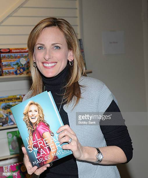 """Marlee Matlin promotes her new book """"I'll Scream Later"""" at Bookends on April 14, 2009 in Ridgewood, New Jersey."""