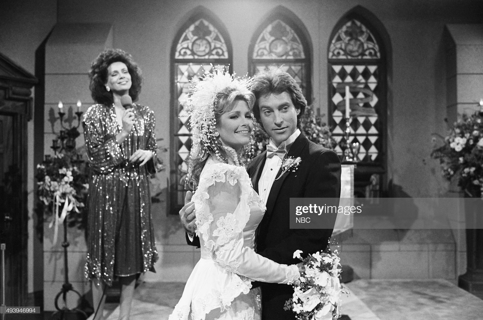 marlena-evans-roman-brady-wedding-pictured-marilyn-mccoo-as-tamara-picture-id493946994