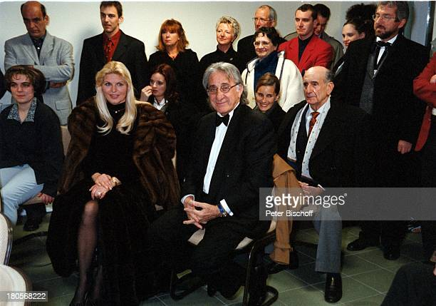 Marlene Charell Ehemann Roger PappiniGäste Standesamt La RochetteFrankreich Trauung