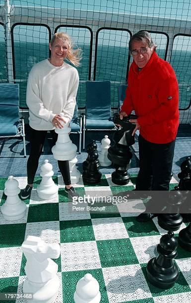 Marlene Charell mit Ehemann RogerPappini auf dem Luxusliner Calypso See Schach Kreuzfahrt Urlaub