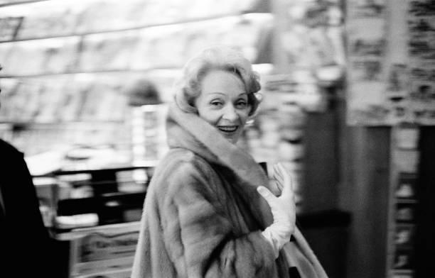 Marlene Dietrich In Paris