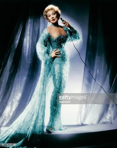 Marlene Dietrich Singing