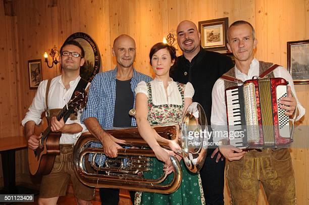 "Marlene Morreis , Robert Joseph Bartl , Volksmusikgruppe ""Loisachbuam"" mit Manuel Gayer , Reinhard Hoffmann und Wolfgang Gleixner , neue ZDF-Serie..."