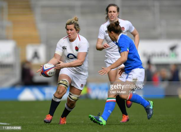 Marlie Packer of England looks for an offload during the Womens Six Nations match between England and Italy at Sandy Park on March 09 2019 in Exeter...